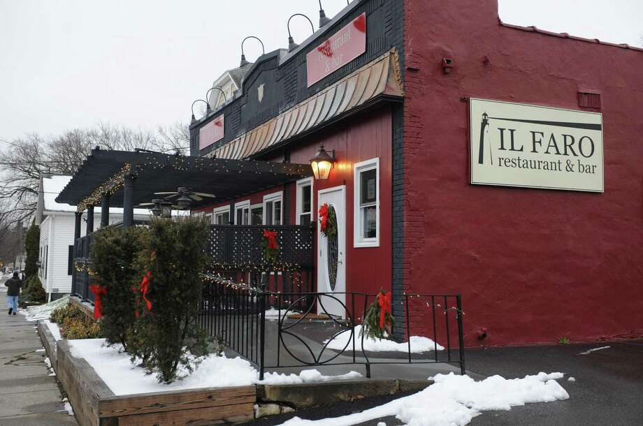 Il Faro restaurant at 698 N. Pearl Street on Wednesday Dec. 30, 2015 in Menands, N.Y.  (Michael P. Farrell/Times Union) ORG XMIT: MER2015123016310630 Photo: Michael P. Farrell / 10034826A