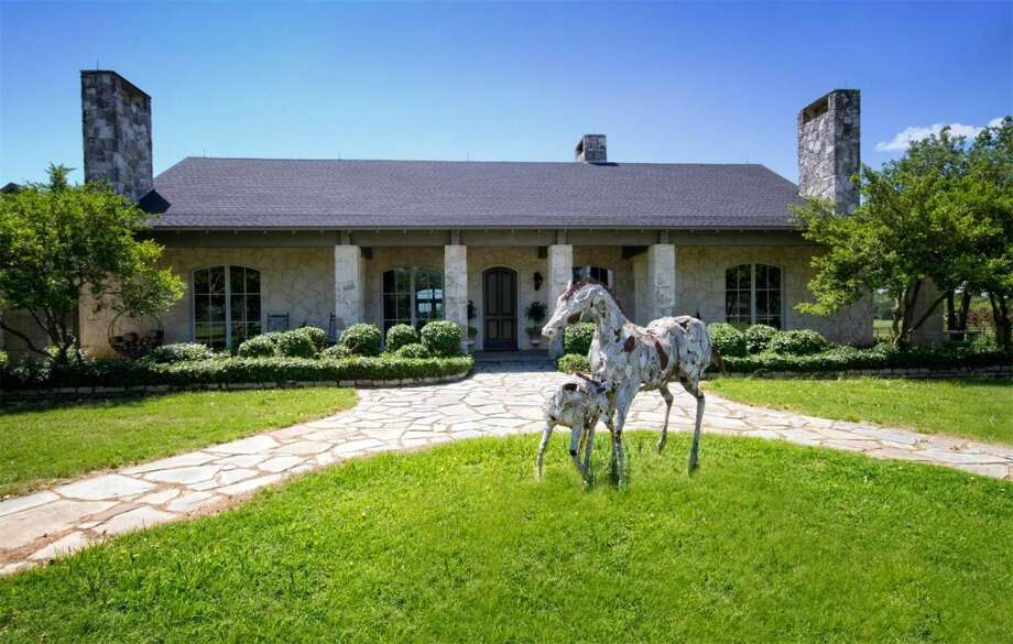 Texas Horse Ranch Listed At Nearly 4m Houston Chronicle