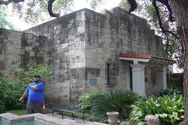 About a year after the Daughters of the Republic of Texas relinquished all authority over its library at the Alamo, a reader is glad the library has found a new home — and that the DRT remains in charge of it.