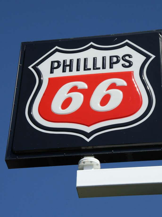 "Phillips66 has given $7.3 million, as part of a $32 million ""Big Oil"" campaign to defeat Initiative 1631, the proposed carbon fee on major emitters of greenhouse gases.es) Photo: AFP/Getty Images"