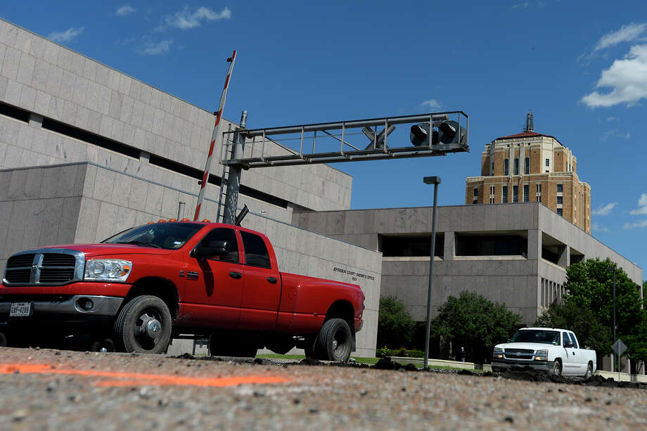 "The city will be closing Pearl Street at the railroad crossing to create a ""quiet zone"" in downtown in front of the courthouse.  Photo taken Wednesday 5/4/16 Ryan Pelham/The Enterprise Photo: Ryan Pelham / ©2016 The Beaumont Enterprise/Ryan Pelham"