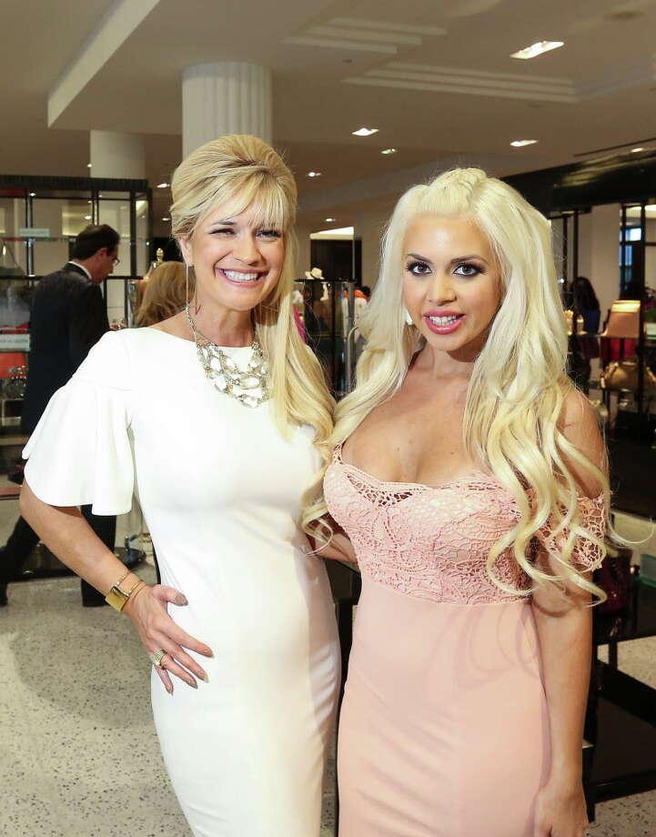 Tammie Johnson and Brittney Randolph at Tootsies Photo: Jon Shapley, Houston Chronicle / © 2015  Houston Chronicle