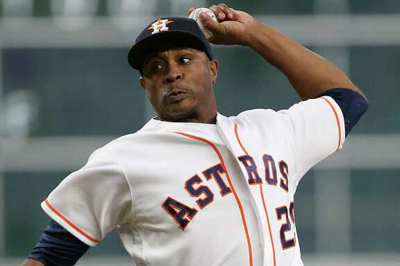 Houston Astros relief pitcher Tony Sipp (29) pitches in the seventh. Photos of game one between Houston Astros and Seattle Mariners at Minute Maid Stadium on Thursday, May 5, 2016, in Houston.