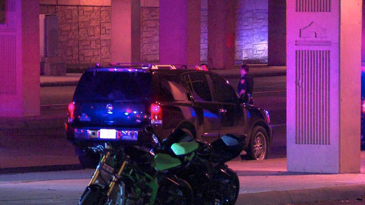 A motorcyclist died Friday morning following a crash on the West Side.