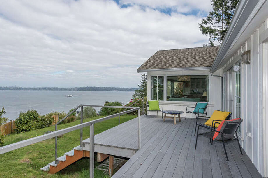 This Vashon Island house has a wealth of views. The full listing is here. Photo: Windermere Real Estate/Dan Brandt / @John de Groen