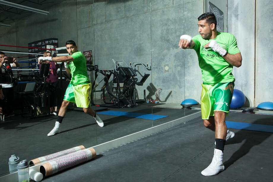 HAYWARD, CA - APRIL 18: Amir Khan shadow boxes during an open media workout on April 18, 2016 in Hayward, California.  (Photo by Alexis Cuarezma/Getty Images) Photo: Alexis Cuarezma, Getty Images