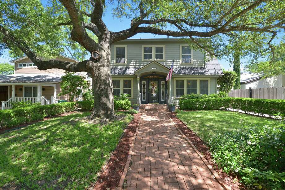 511 Argo Ave. Alamo Heights  Saturday: 1 p.m. $ 655,000 3 beds, 2 baths, 3,109 square feetAgent: Eliza Sonneland  MLS: 1175842  See the full listing here. Photo: Courtesy KWSanAntonio