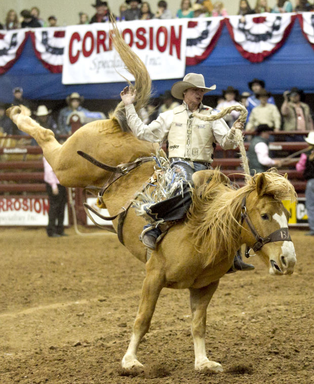 Sandhills Rodeo Wrights Make Competition A Family Affair