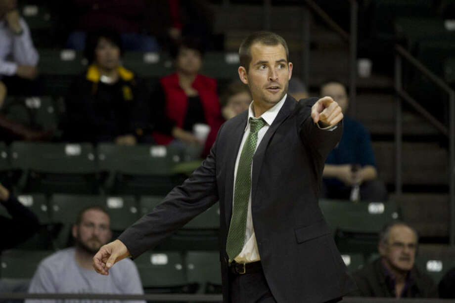 Midland College basketball head coach Jordan Dreiling yells to his team during the game against New Mexico on Thursday at Chaparral Center. James Durbin/Reporter-Telegram Photo: JAMES DURBIN