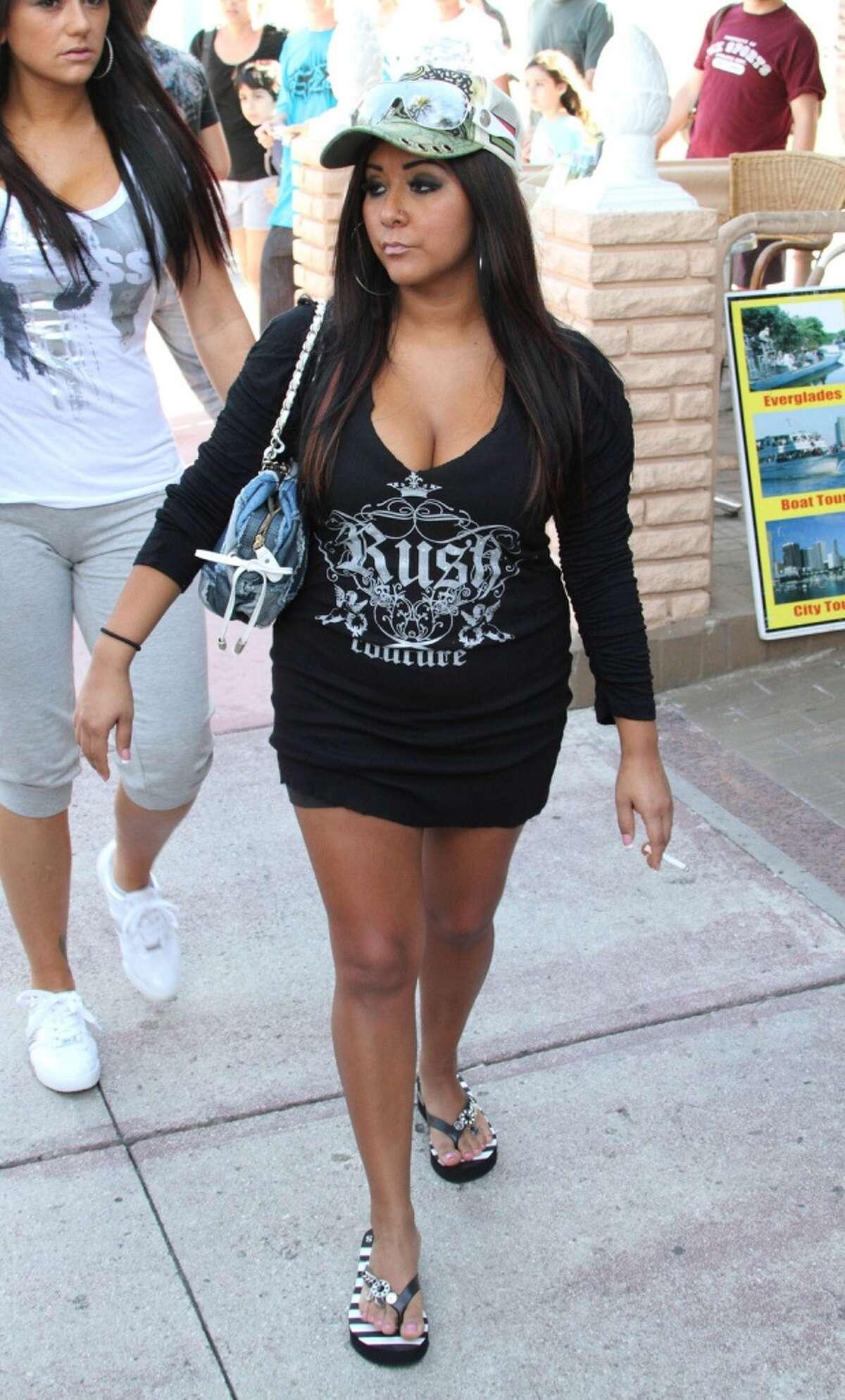 "MIAMI BEACH, FL - APRIL 06: Nicole ""Snooki"" Polizzi is seen in South Beach on April 6, 2010 in Miami Beach, Florida. (Photo by Troy Rizzo/Getty Images)"