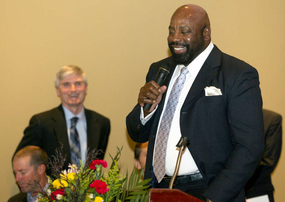 "Ed ""Too Tall"" Jones speaks during the annual West Texas Sports Banquet on Thursday, Feb. 5, 2015 at Midland Country Club. James Durbin/Reporter-Telegram Photo: James Durbin"