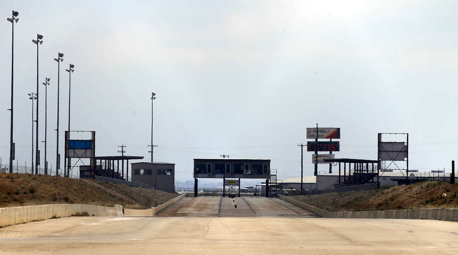 The closed Desert Thunder drag racing track photograph Tuesday, Feb. 24, 2015. James Durbin/Reporter-Telegram Photo: James Durbin