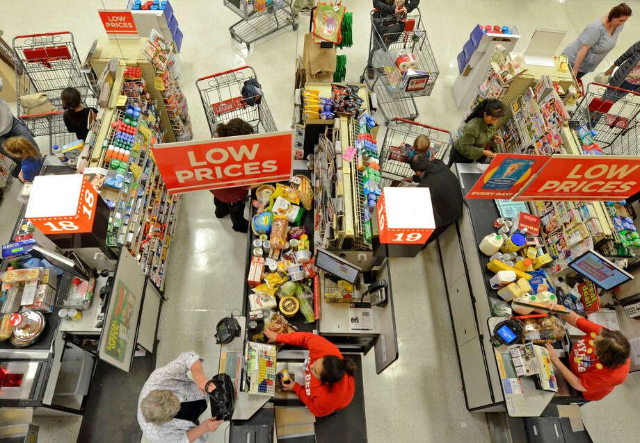 Thanksgiving shoppers on Tuesday at HEB. James Durbin/Reporter-Telegram Photo: James Durbin