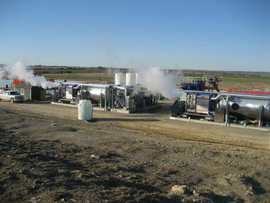 Two Fountain Quail NOMAD™ units recycle freshwater at a recycling site in the Barnett Shale in northeast Texas. Each NOMAD™ unit is capable of creating up to 2,000 BPD of distilled freshwater for safe surface discharge or storage for reuse in future hydraulic fracturing jobs. Photo: Courtesy Photo