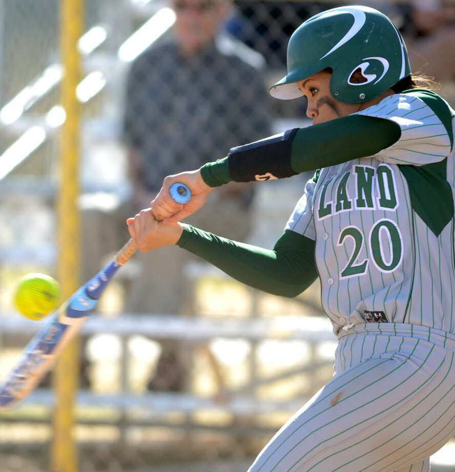 Midland College's Tammy Viliamu (20) bats against Otero JC in the Midland College Classic tournament, Feb. 14, at Freddie Ezell Softball Complex. James Durbin/Reporter-Telegram Photo: JAMES DURBIN