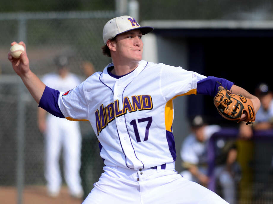 Midland High's Brian Bolger pitches against Abilene High on Tuesday, April 14, 2015, at Zachery Field. James Durbin/Reporter-Telegram Photo: James Durbin
