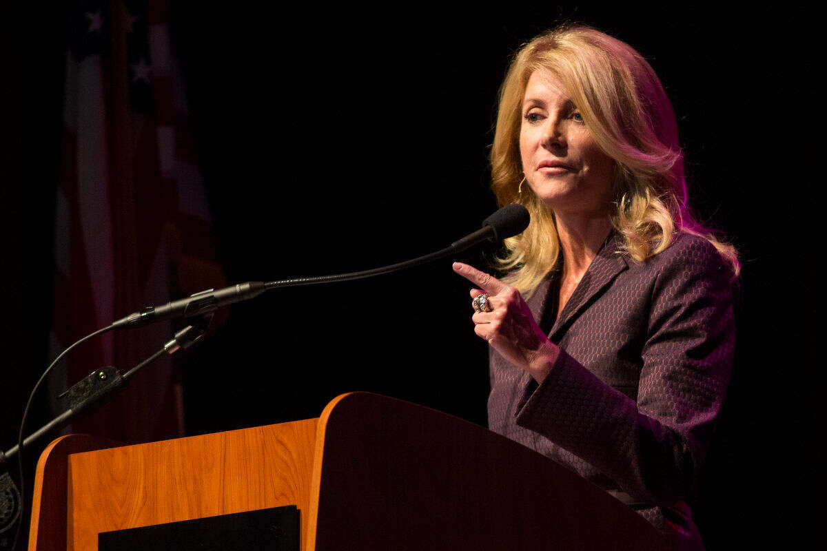 """Former gubernatorial candidate Wendy Davis gave a lecture called """"Educating Texas: Complex Challenges-New Perspectives"""" at the Wagner Noel Performing Arts Center on Tuesday in Midland, Texas, as part of the John Ben Shepperd Public Leadership Institute Distinguished Lecture Series."""