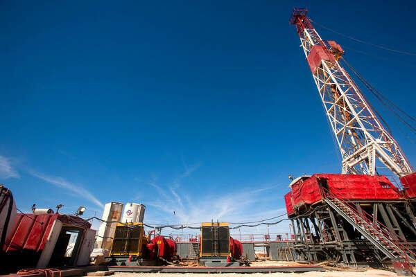 Robinson Drilling  rig  #4 on Wednesday, Feb. 17, 2016, in Midland County. James Durbin/Reporter-Telegram