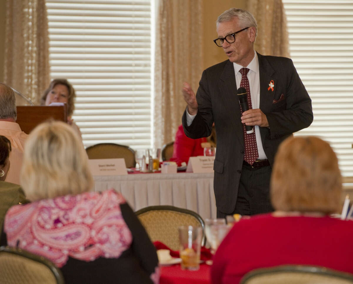 Tryon Lewis, chairman of the Texas Transportation Commission, speaks Wednesday 04-13-16 at the Midland County Republican Women's luncheon. Tim Fischer\Reporter-Telegram
