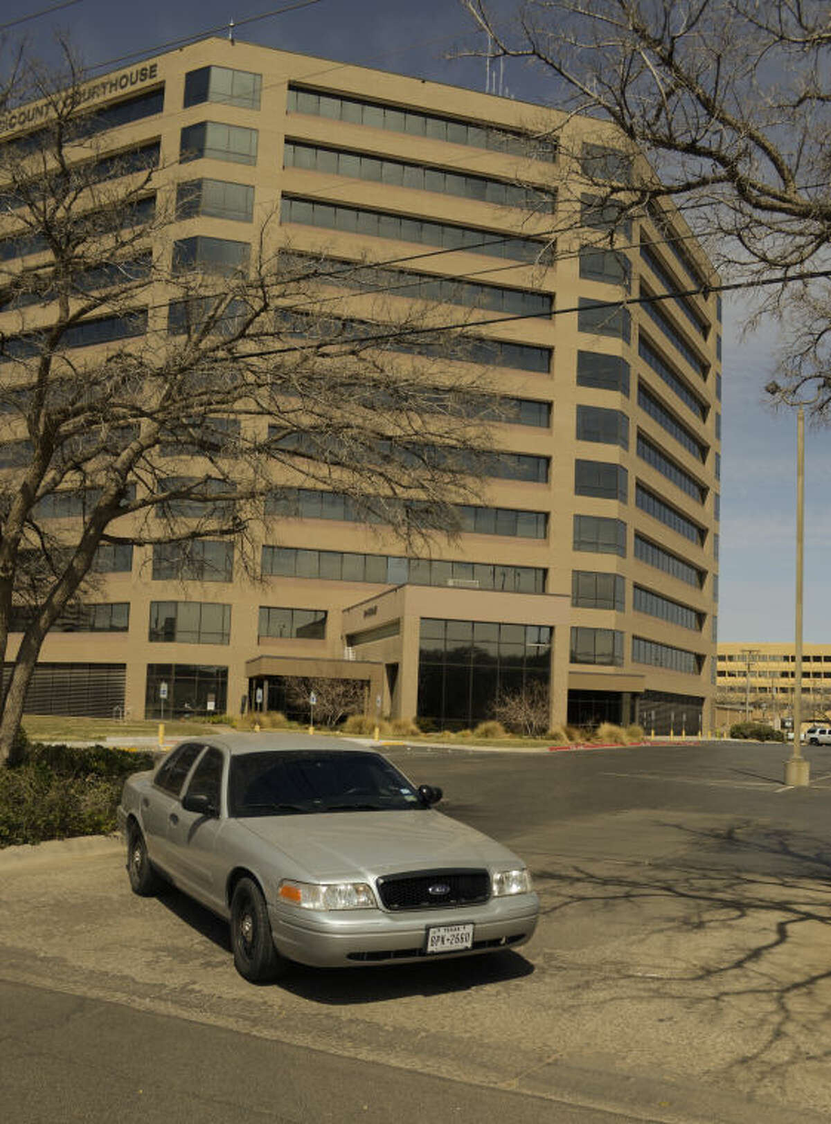 The Midland County Courthouse was closed down Friday as MPD and Sheriffs personell investigated a bomb threat at the courthouse. Tim Fischer\Reporter-Telegram
