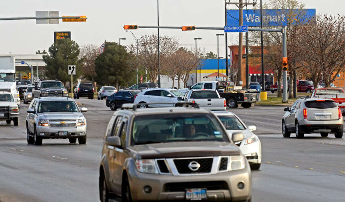 Traffic at the intersection of Briarwood Ave. and Midland Drive on Tuesday, March 25, 2014. James Durbin/Reporter-Telegram