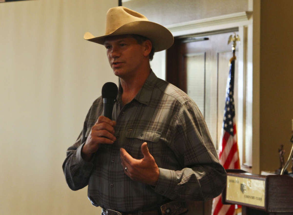 Former Dallas Cowboys tight end Jay Novacek spoke to a packed audience Thursday day at the Midland Department's annual awards banquet at Midland Country Club. Tyler White/Reporter-Telegram