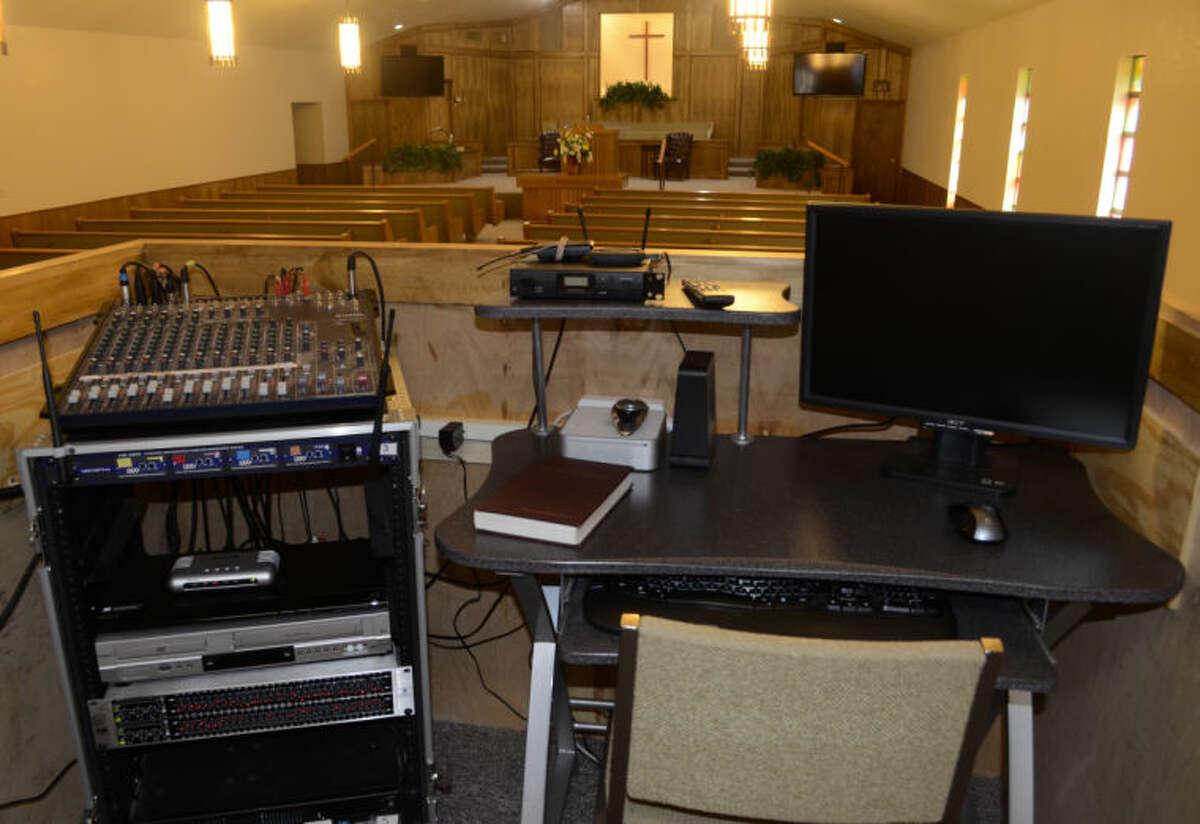 Jeff Steinberg, 7 p.m. Friday at Northwestern Baptist Church. tinygiant.com