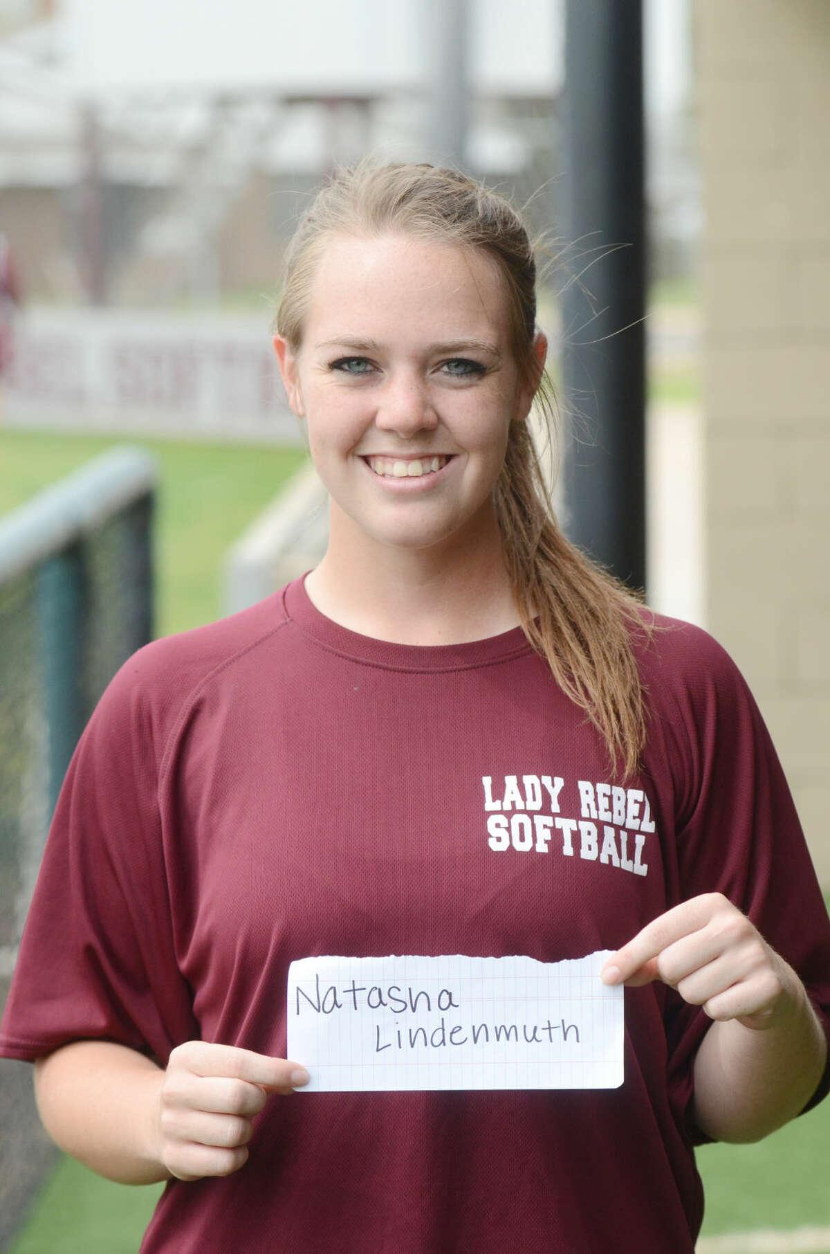 Lee High varsity softball mug - Natasha Lindenmuth James Durbin/Reporter-Telegram