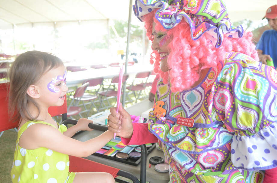 """Jubilee Center of Midland's """"Farm to Fairway"""" last year at Hogan Park Country Club. The event included a golf tournament with a barbecue dinner and auction. James Durbin/Reporter-Telegram Photo: James Durbin"""