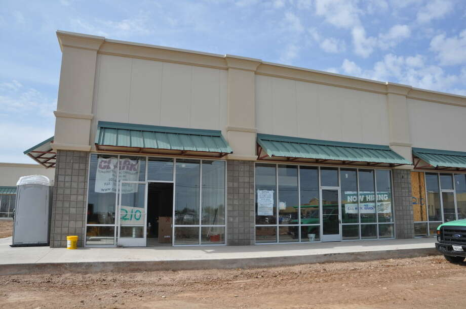 The new Wing Stop is pictured May 11, 2015, on Rankin Highway (north of the southside Wal-Mart). Wing Stop is schedule to open June 23.  Photo: Rye Druzin/Reporter-Telegram