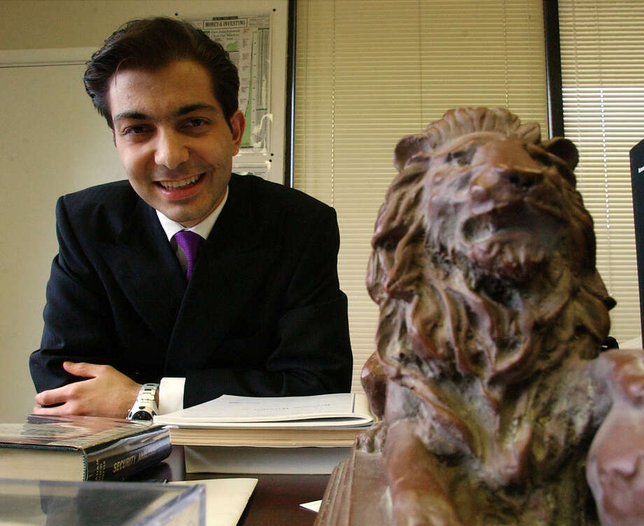 File photo from 2002 of Sardar Biglari, chairman and CEO of Biglari Holdings. Photo: Bahram Mark Sobhani /San Antonio Express-News / SAN ANTONIO EXPRESS-NEWS