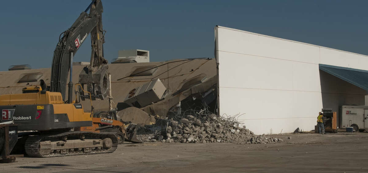 Demolition work has started Friday, 5-1-15, on the old AT&T Call Center as HEB moves foward with plans for a new store at the Loop 250 and Andrews Hwy (191 Hwy) intersection. Tim Fischer\Reporter-Telegram