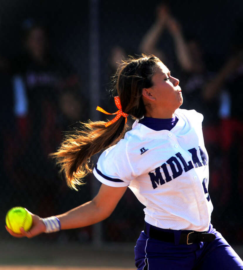 Midland High's Stefani Baeza against Amarillo Tascosa on Friday at Audrey Gill Sports Complex. James Durbin/Reporter-Telegram Photo: JAMES DURBIN