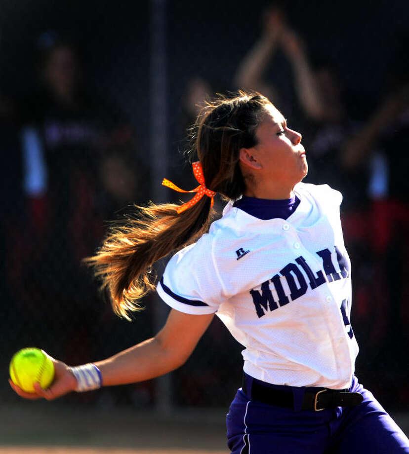 Midland High's Stefani Baeza against Amarillo Tascosa on Friday at Audrey Gill Sports Complex. James Durbin/Reporter-Telegram Photo: JAMES DURBIN