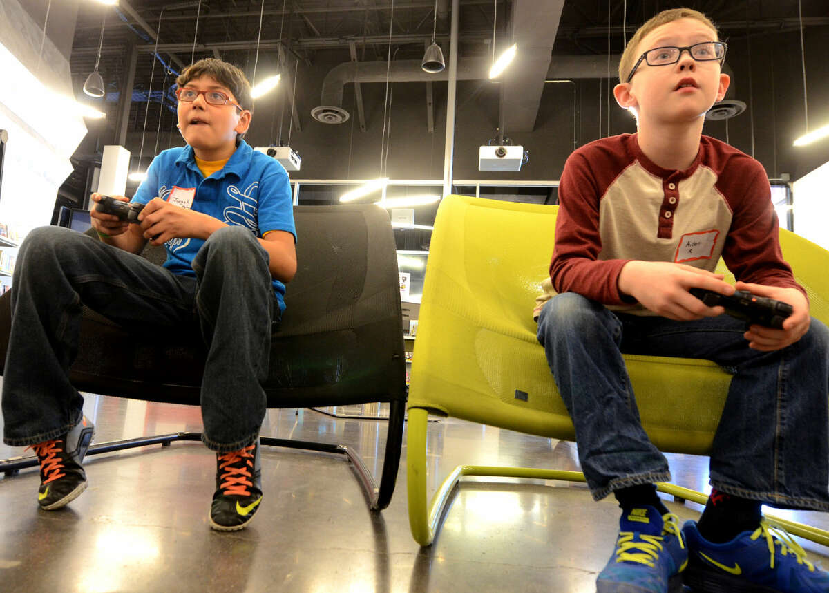 Video game tournament on Tuesday, Jan. 20, 2015 at Midland County Public Library Centennial Branch. James Durbin/Reporter-Telegram