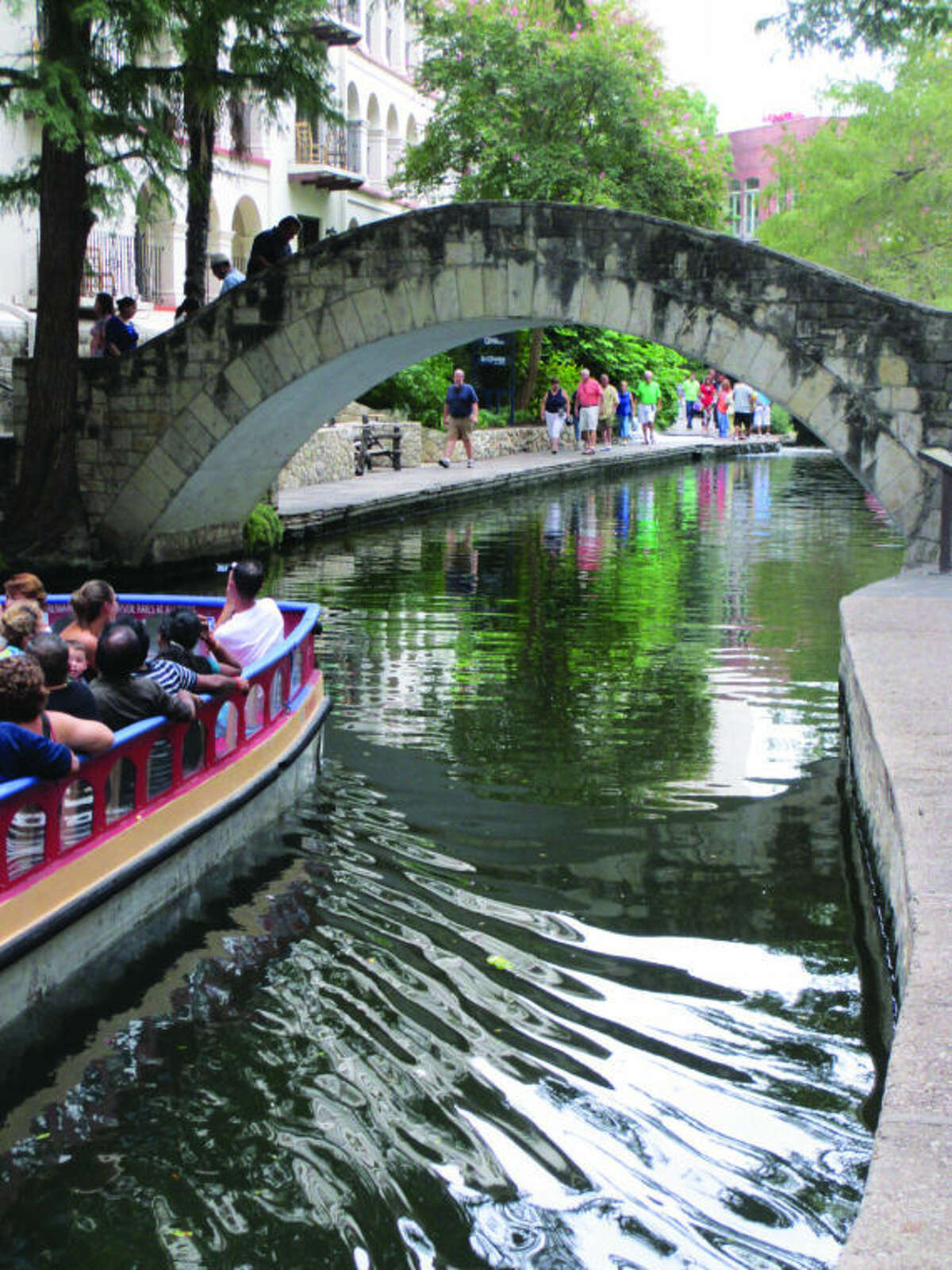 From the sunrise joggers to the late night partiers, San Antonio's River Walk never closes. It was included as photo No. 19 in our SA tourist spot photo contest,