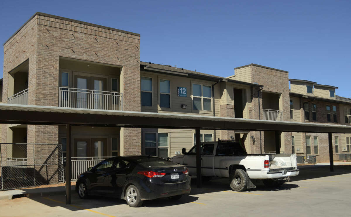 A picture of the Anatole Apartments.