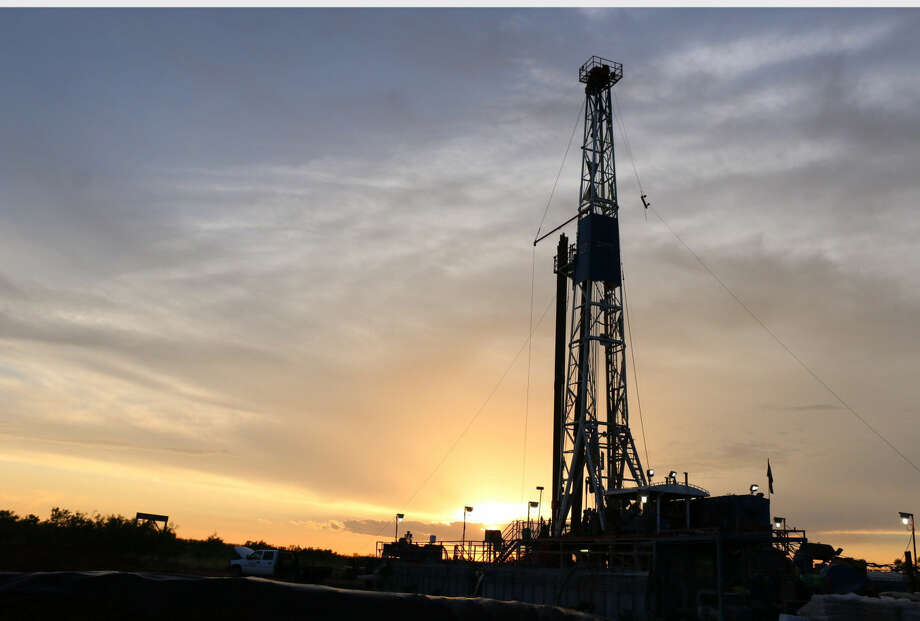 Patriot Energy's 'Barker's Trust #1' well drilling in the Permian Basin in West Texas (PRNewsFoto/Patriot Energy, Inc.) Photo: HO