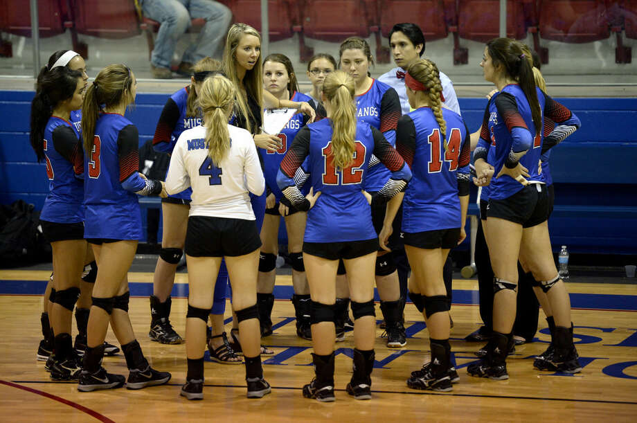 Midland Christian volleyball head coach Alicia Filyukova talks to her team during the game against Monahans on Tuesday, August 18, 2015, at the McGraw Events Center. James Durbin/Reporter-Telegram Photo: James Durbin