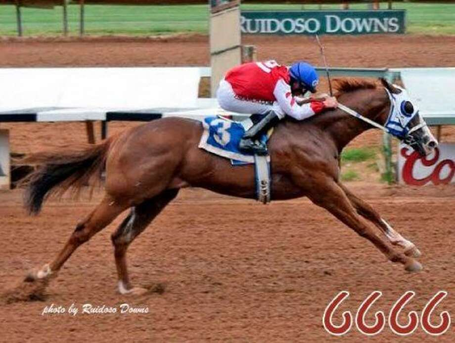 Sky Bo Dash is seen here during a qualifier for the All American Futurity at Ruidoso Downs Race Track. The 2-year-old gelding is owned by Midlander Bobby Simmons. Photo: Courtesy Photo