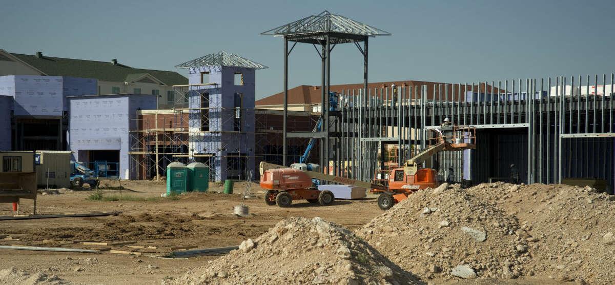 RedOak Plaza construction, near Sams Club, continues Thursday 9-3-2015. Tim Fischer\Reporter-Telegram