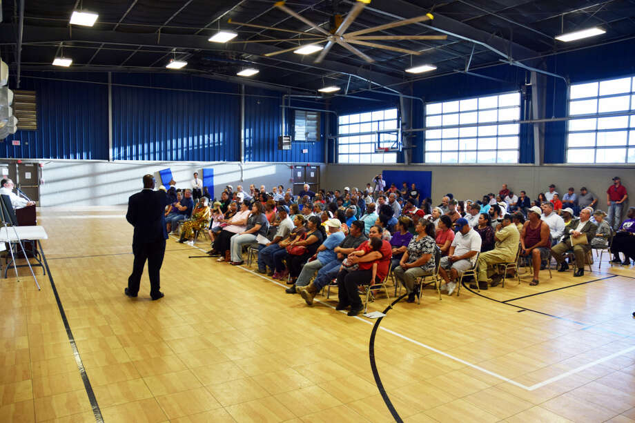 Over 100 residents showed up to a town hall meeting to discuss their mineral rights, which multiple companies are attending to lease. The town hall meeting was held on Sept.17 at the MKL Communtiy Center  Photo: Rye Druzin