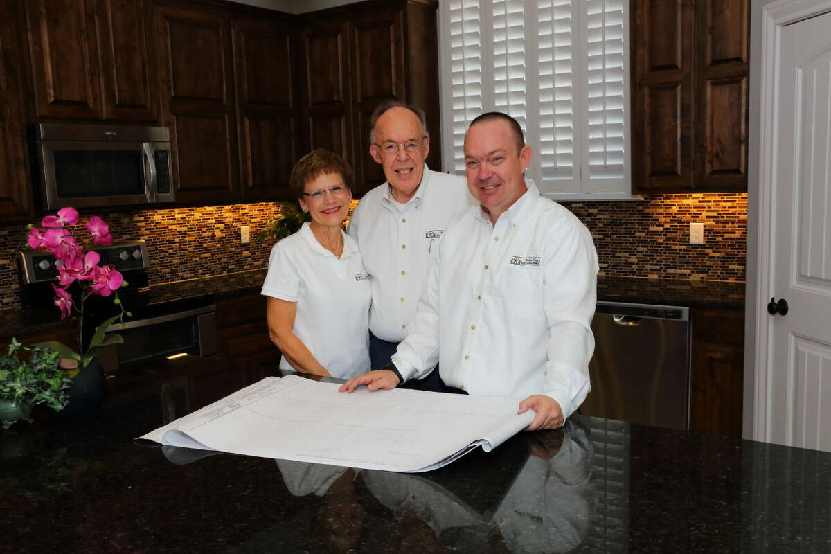 """Marie Pate workswith both husband,Walter Pate, andson, Travis Pate,in their respectivebusinesses, PateAssociates Architectsand Planners, andTexas Classic Homes. Photographed for """"Home Front""""in the Sept. 27, 2015 issue of Midland Magazine. Photo by Curtis Routh"""