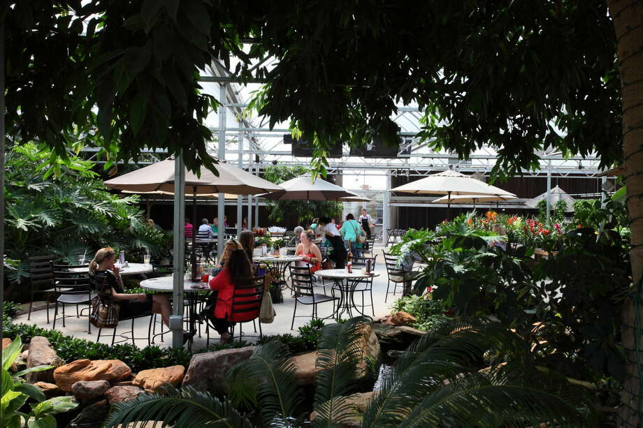 The Cafe at the Gardens will be hosting the Midlandaires for dinner and live music on Thursday. Dinner begins at 5 p.m. and live music starts at 7 p.m.