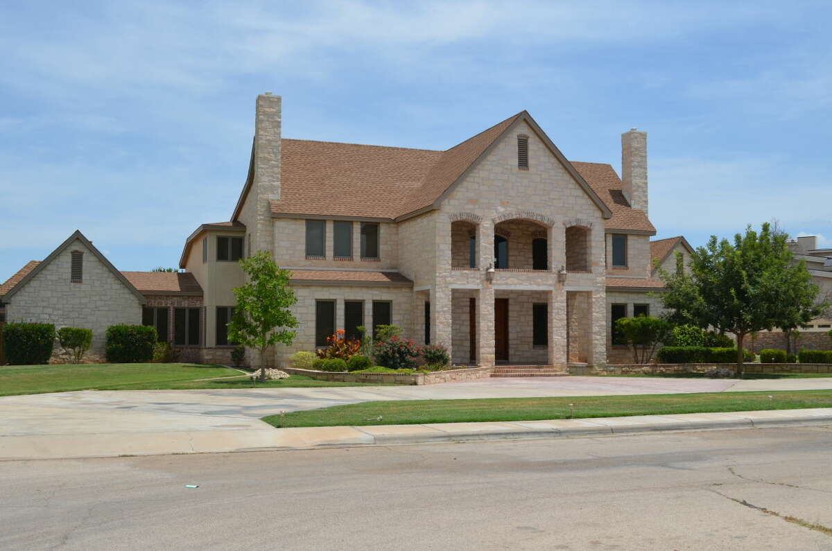 Value: $1,266,300Location: OdessaYear built: 2000Total square footage main house: 4,658square feetAmount of land: 1.199acresFeatures: Garage, swimming pool, addition