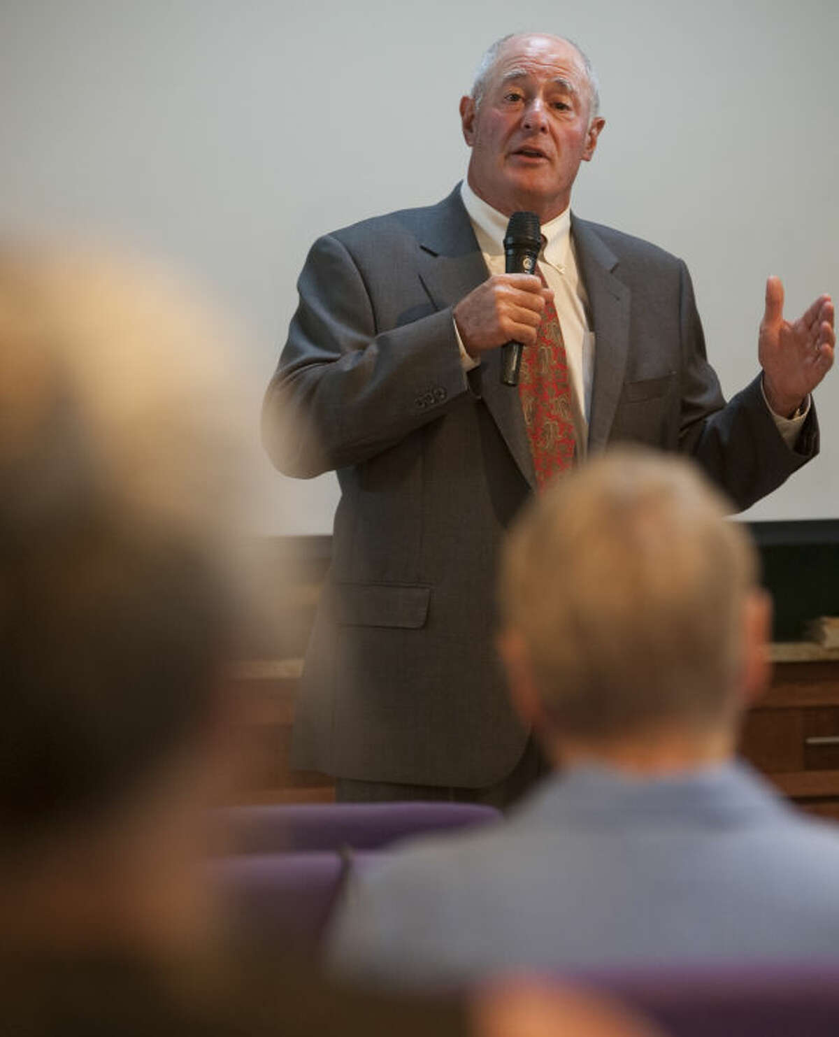 Texas Senator Kel Seliger speaks Tuesday at Choose Life Midland to help commemmorate the years spent protesting abortions at Planned Parenthood after the facility closed last week. Tim Fischer\Reporter-Telegram