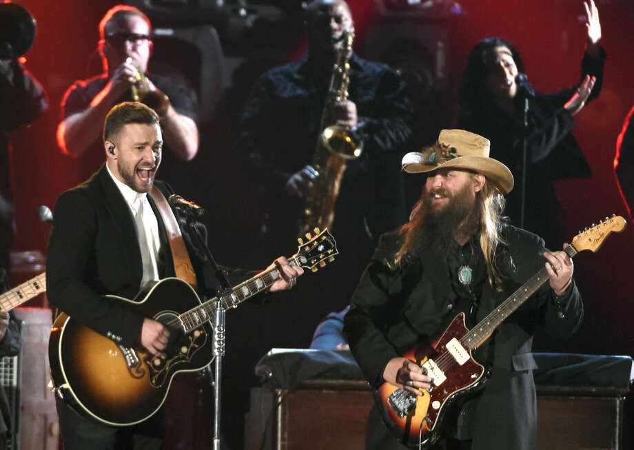 Justin Timberlake, left, and Chris Stapleton perform at the 49th annual CMA Awards at the Bridgestone Arena on Wednesday, Nov. 4, 2015, in Nashville, Tenn. Photo: Chris Pizzello/Invision/AP