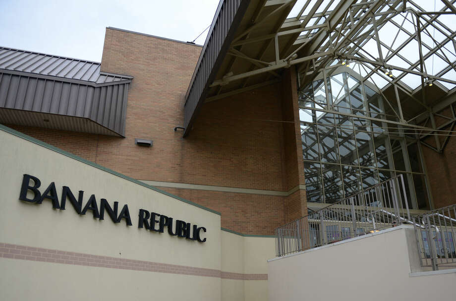 FILE PHOTO: A Banana Republic store is pictured in Danbury, Conn., in 2013. Photo: Tyler Sizemore