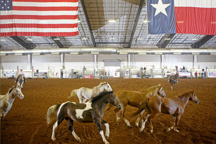 Professional Armed Forces Rodeo on Saturday at Horseshoe Arena. James Durbin/Reporter-Telegram Photo: James Durbin