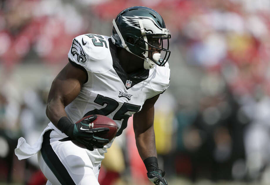 Philadelphia Eagles running back LeSean McCoy (25) runs against the San Francisco 49ers during the first half of an NFL football game in Santa Clara, Calif., Sunday, Sept. 28, 2014. (AP Photo/Marcio Jose Sanchez) Photo: Marcio Jose Sanchez